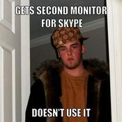 Gets second monitor for skype doesn t use it f09c8a